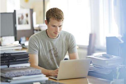 3 sfaturi UTILE pentru studentii cu probleme financiare